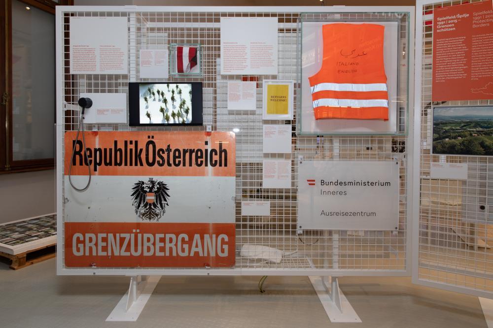 Ausstellungsobjekte zum Thema Grenze(n)