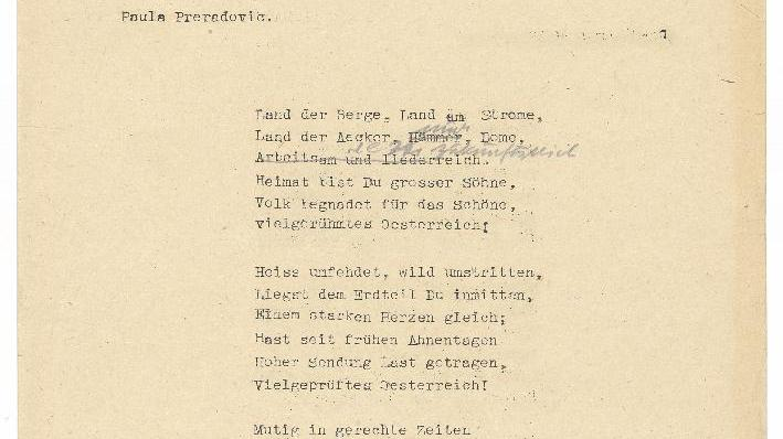 Der maschingeschriebene Text zur Hymne aus dem Brief Paula von Preradovićs an das Unterrichtsministerium. Zu sehen sind die letzten handschriftlichen Änderungen aus dem Ministerium.